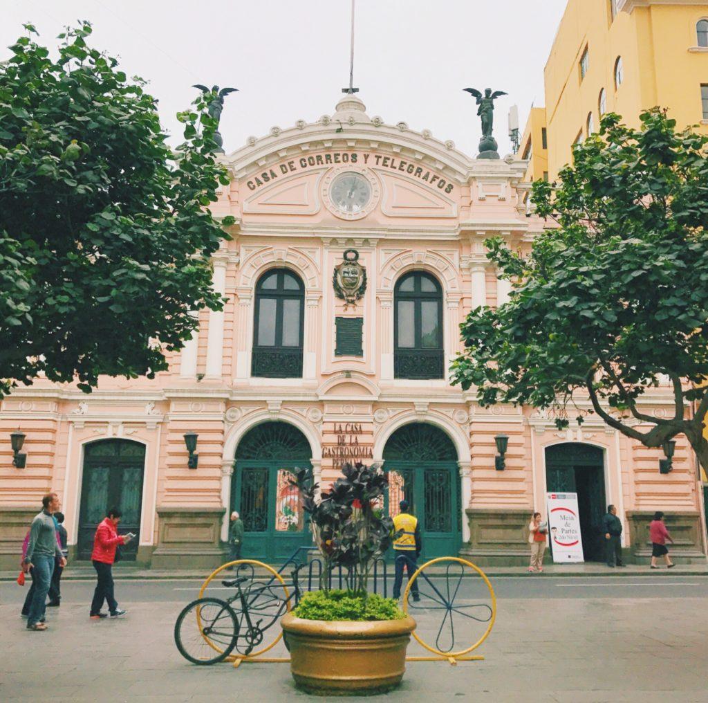 Plaza-Mayor-Lima-Peru