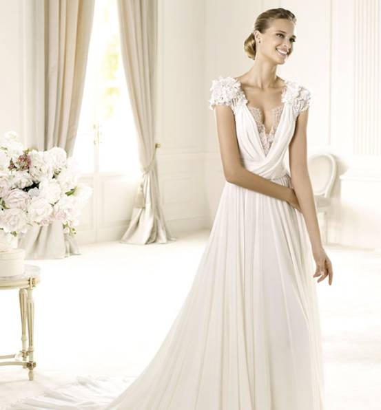 How To Choose A Flattering Neckline For Your Wedding Dress