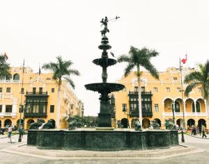 plaza-de-armas-peru